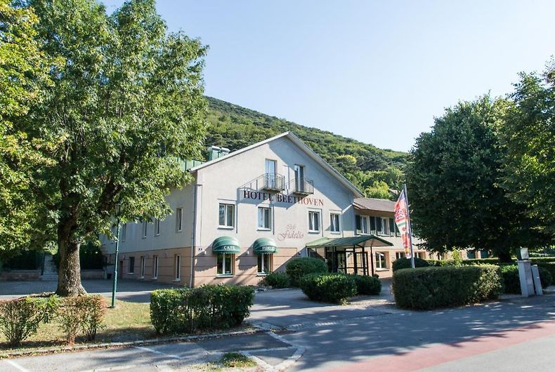 Airbnb   Hinterbrhl - Vacation Rentals & Places to Stay